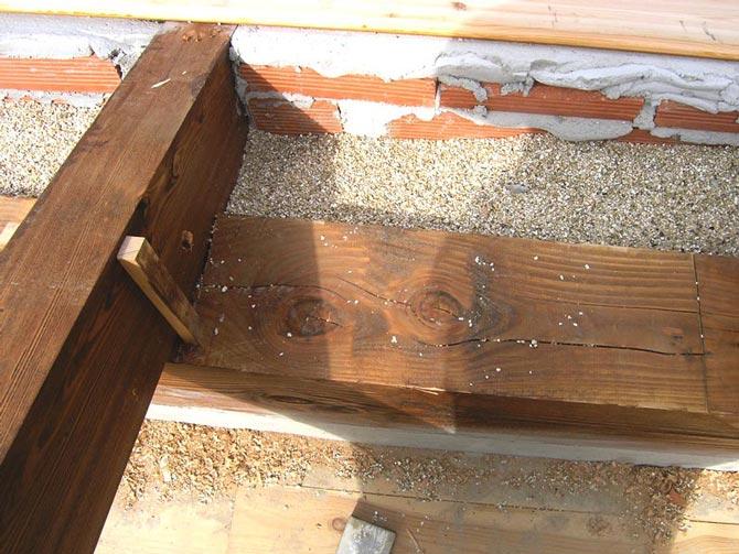 J.- Vermiculita exfoliada