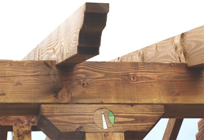 J.- Detalles madera