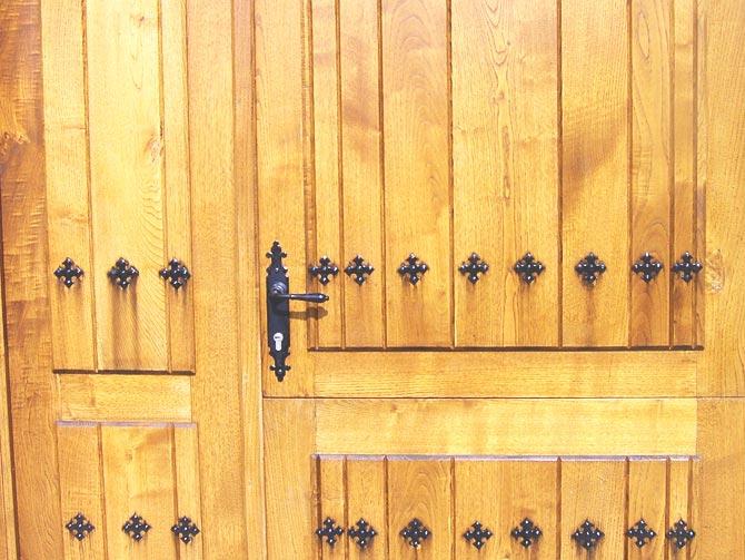 R.- Puerta de entrada
