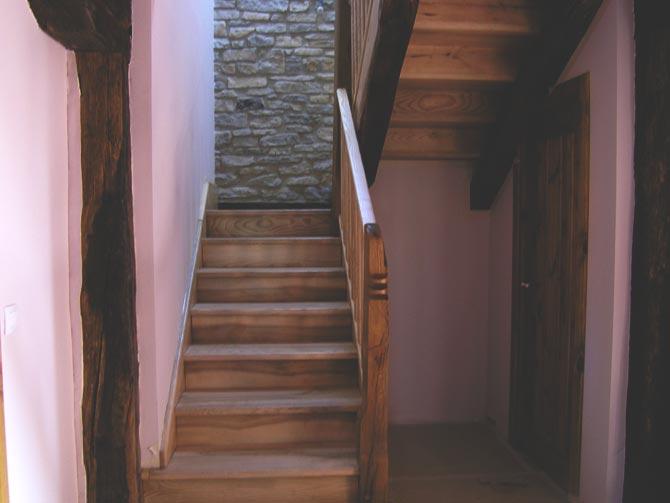 T.- Escalera